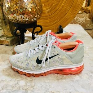Nike AIRMAX Grey Solar Red White Womens Size 7.5